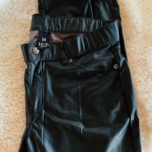 Hue Faux Leather leggings Black - Never worn